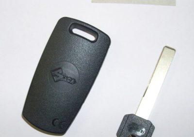 Duplicazione Chiavi Codificate per Auto