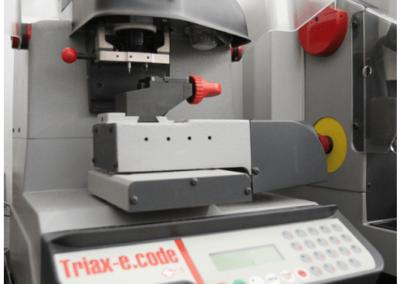 Laboratorio e Macchinari Duplicazione Chiavi